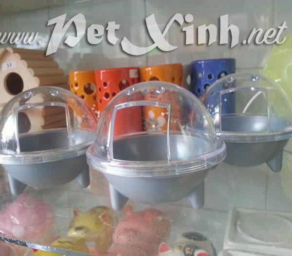 Nhà tắm hamster hình tàu vũ trụ