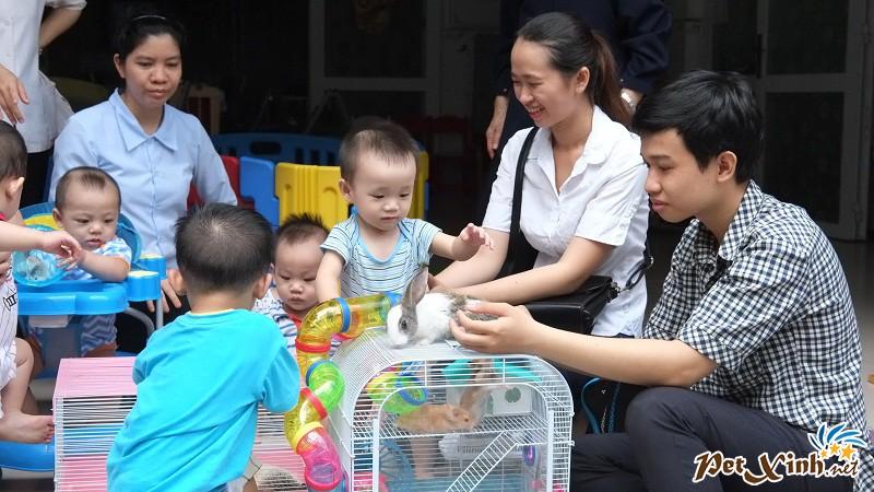 PetXinh.net đi thăm và tặng quà cho trẻ em mồ côi 4