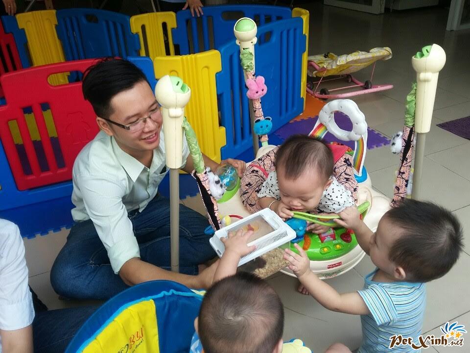 PetXinh.net đi thăm và tặng quà cho trẻ em mồ côi 9